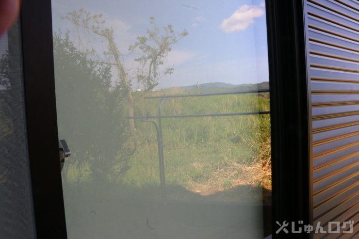 C-PLフィルターの効果 ガラス映り込みフィルター無