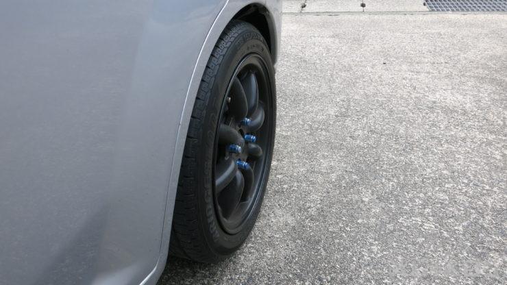 155タイヤはサイドも丸く細い